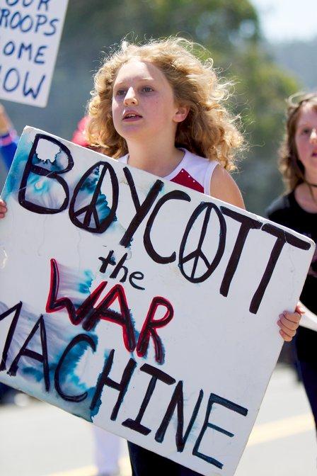 boycottwarmachine-m